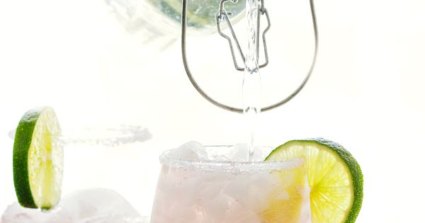 Sparkling Cherry Limeade Water | Recipe | Cherries and Water