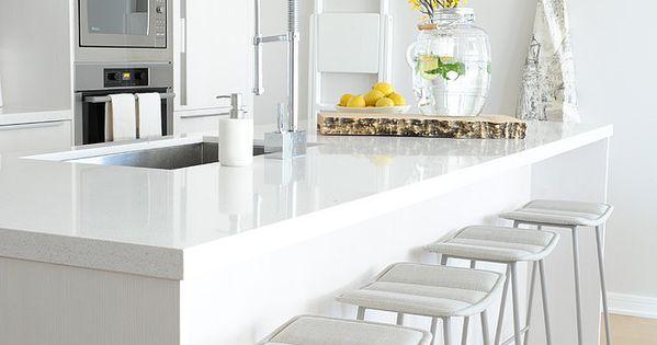 Piso blanco y gris isla de cocina apartamentos - Piso blanco y gris ...