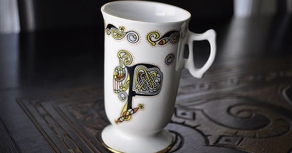 "Royal Tara /""BOOK OF KELLS/"" ~ Letter /""F/"" ~ Set of 4 ~ Mugs ~ 4/"" Tall"