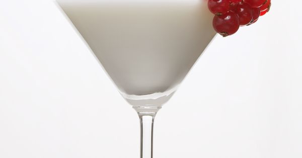 Vampire Kiss (1 part UV Coconut Vodka 1 part pineapple juice Red