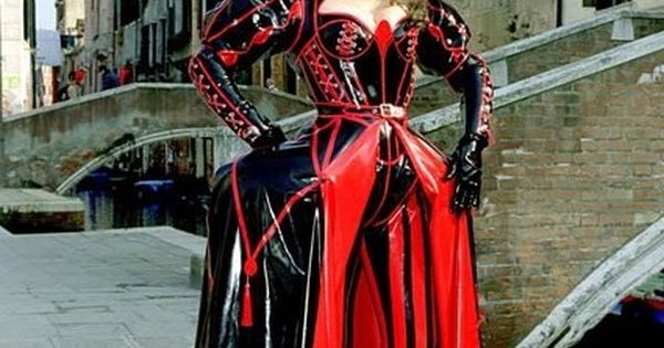Latex queen of hearts outfit latex pinterest sexy the app and