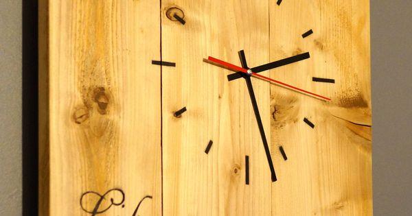 grande horloge en bois de palette revaloris d corations murales par bazar a bidules cole. Black Bedroom Furniture Sets. Home Design Ideas