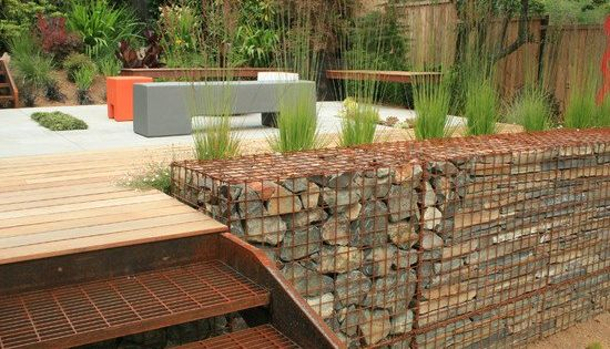 Construire un mur de sout nement 84 id es jardin - Construire terrasse jardin ...