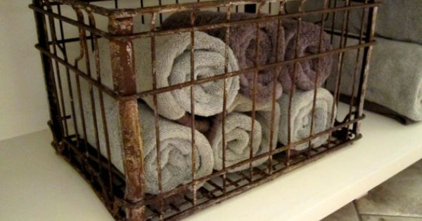Vintage borden milk crate crates bathroom towels and for Where can i buy wooden milk crates