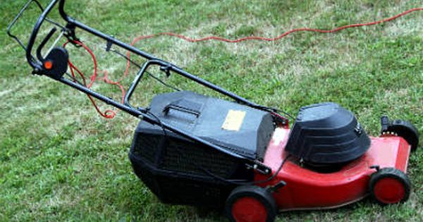 How To Choose The Best Electric Lawn Mowers Electric Mower Lawn Mower Cordless Lawn Mower