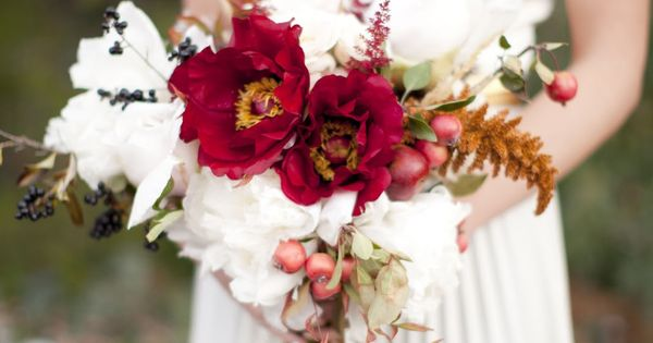 Wow! - Beautiful fall flowers by Sarah Winward | photo by Jessica