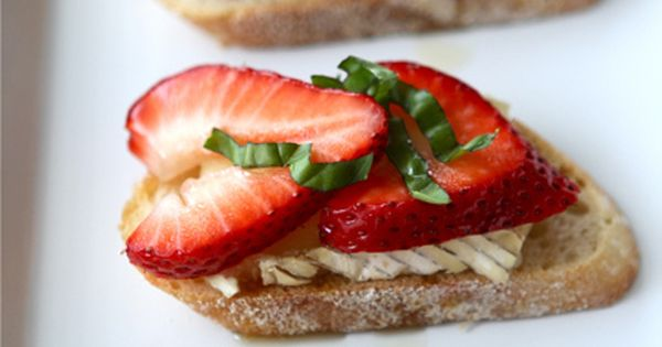 Crostini with Brie Cheese, Strawberries, Honey Basil Recipe by Cookin Canuck