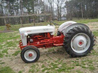 1956 Ford 600 Tractors Vintage Tractors Old Tractors