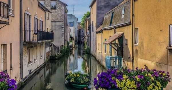 Secret France Part 2 Central The North France Waterway