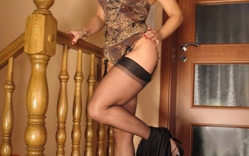 You Meet Singles Beautiful Woman 38