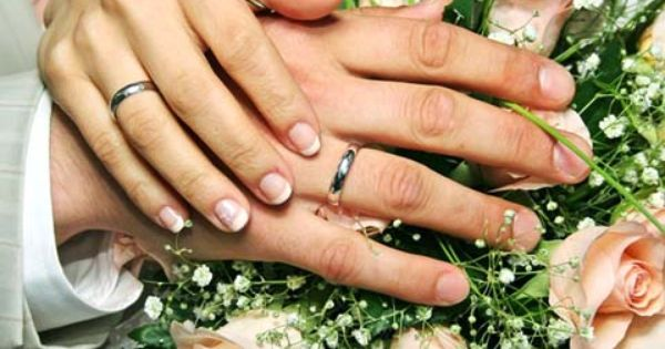 العلاقة الزوجية من أسمى العلاقات وأروعها فإن كان هناك تفاهم بين الزوجين تصبح الحياة هانئة مستقرة فما أجمل أن Christian Matrimony Marriage Happy Marriage Tips