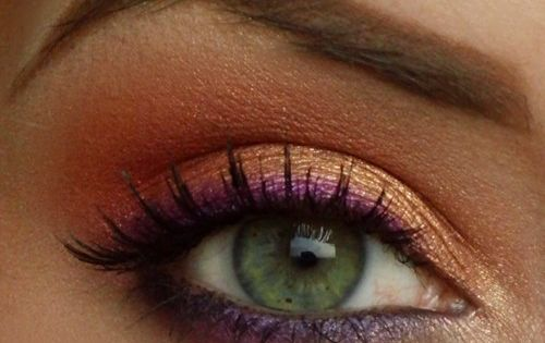 I LOVE this color combo ~Ruth Purple eye liner with peachy pink