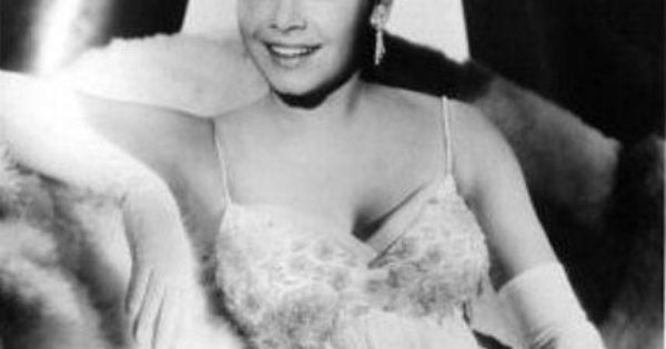 Annette Funicello | annette | Pinterest | Annette funicello, Classic hollywood and Movie stars