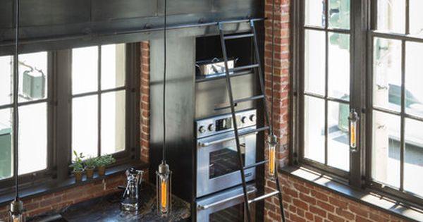 Cuisine en acier dans un loft à San Francisco, photo par Scott