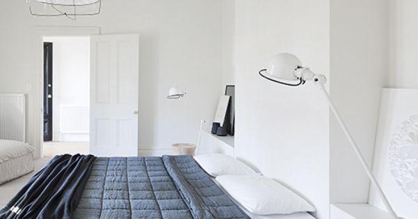 Pin van op slaapkamers pinterest slaapkamer hanglamp en slaapkamers - Slaapkamer lay outs ...