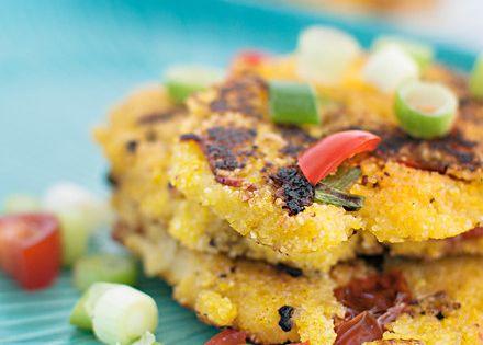 Cornmeal cakes Savory & Sweet