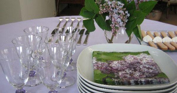 Table lilas, un air de printemps !  Décoration de tables ...
