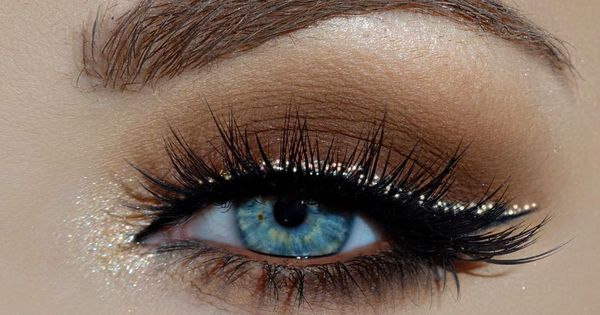 Iconic 174 Winged Liner Neutral Tones And Makeup