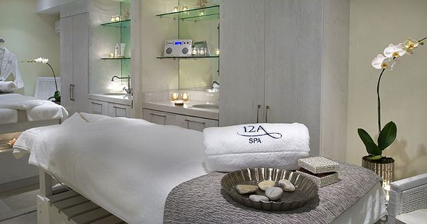 different types of spa treatments Learn about the benefits associated with 5 of the most common types of body wrap treatments at spas.