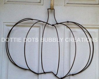 Angel Wings Wire Wreath Form Etsy Wire Wreath Wreath Forms Wire Wreath Forms