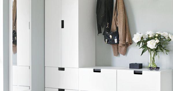 am nagez votre entr e miroir pleins de meubles blanc porte manteau et grand tapis j 39 adore. Black Bedroom Furniture Sets. Home Design Ideas
