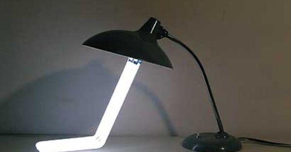 Desklamp 1', 2004 von Manfred Erjautz | Leuchtstoffröhre