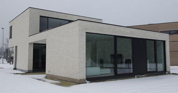 Hoge Vest gevelsteen: witte en grijze gevelsteen ...