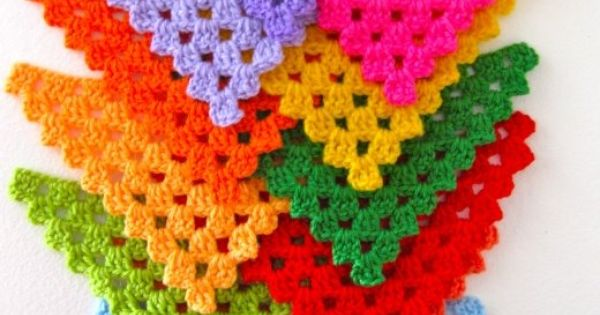 ༺༺༺♥Elles♥Heart♥Loves♥༺༺༺ ...........♥Crochet Bunting♥........... Crochet Bunting Crochetbunting Garland Flag Decorate Tutorial Pattern Vintage