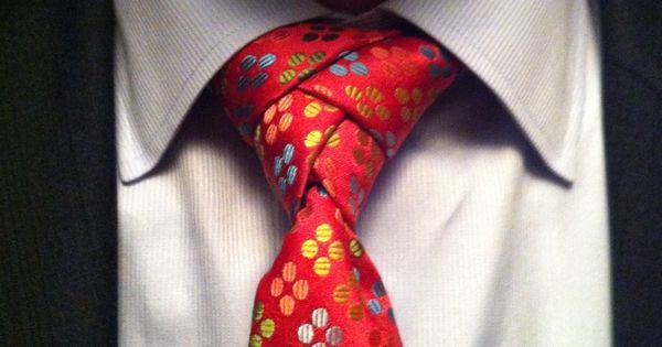 Cool tie - Eldredge knot for New Years Eve 2012/2013