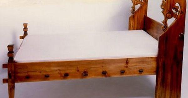 Wooden Carved Viking Bed Furniture Medieval Pavillions