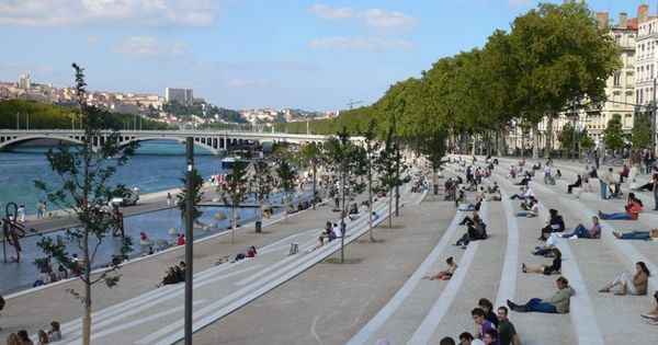 Rhone river banks in situ architectes paysagistes wish for Architectes paysagistes