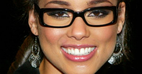 Alicia Keys | Looking Good In Glasses II | Pinterest ... Alicia Keys