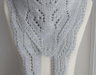Wolf Knitting Pattern : Arctic Foxy Wolf Shawl Pattern Fox Knitting Patterns , many free knitting p...