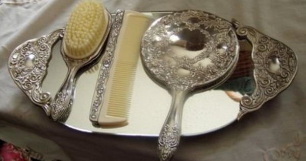 Vintage Elegant Style 4 Pc Vanity Set Mirror Brush Comb