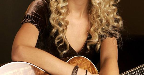 I love her curly hair!! It's beautiful