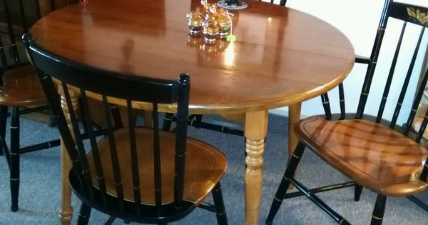 Hitchcock Furniture Dining Table With 2 Leaves And 4