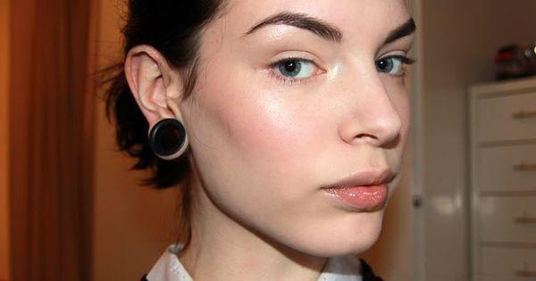 Viola holmgren wears face elf studio under eye concealer for Absolutely flawless salon