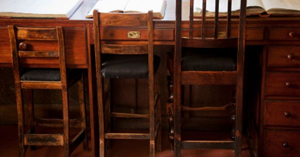 Diy Home Remedies For Getting That Musty Smell Out Of Old Furniture Perfect For All Those