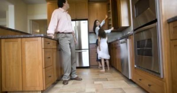 How To Replace The Door Of The Base Cabinet In The Bathroom Home