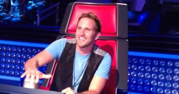 Kia Dream Seats Winner Checks Out The Coach S Chair