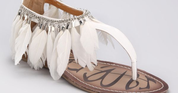 I want feathered sandals.