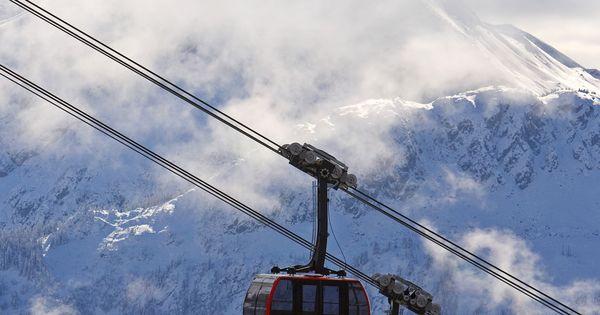 Whistler Blackcomb's newest attraction - Peak to Peak Gondola Ride Whistler