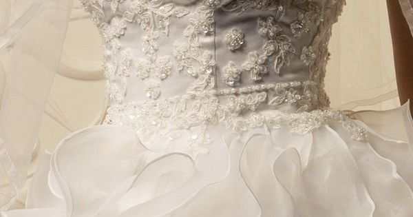 Herzausschnitt Volant Luxus Hochzeitskleid Spitze Korsage GWRW103 ...