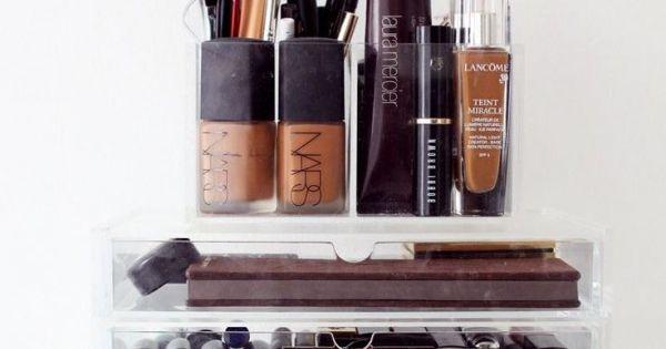 rangement organis du maquillage avec une bo te en. Black Bedroom Furniture Sets. Home Design Ideas
