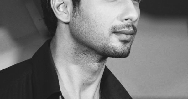 Shahid Kapoor. Well hello!!