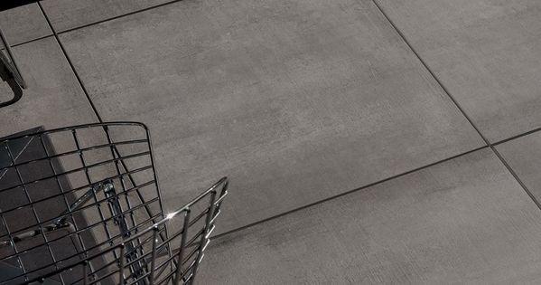 Hedendaagse betonlook vloer verkrijgbaar in veel formaten waaronder ook 80x80 afgewerkt in een - Hedendaagse vloer ...