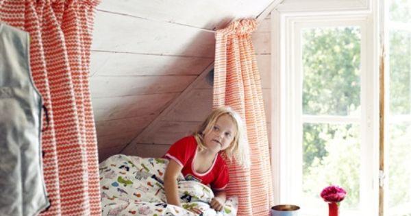 lit sous pente am nagement pour enfants pinterest lits combles et cabanes. Black Bedroom Furniture Sets. Home Design Ideas
