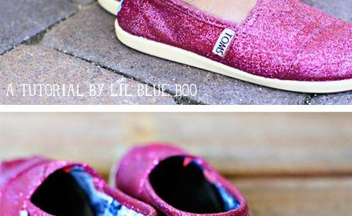 #DIY Glitter TOMS glitter shoes pink sparkle