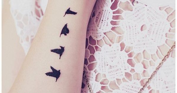 Birds Tattoos on Wrist | Bird Tattoos | Love Birds Tattoo