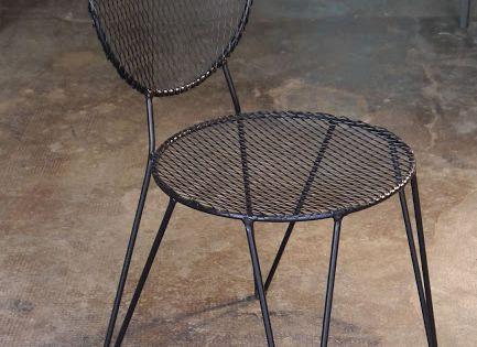 Mesas y sillas en metal de estilo industrial en hierro y for Sillas hierro ikea